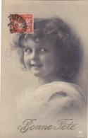 """CARTE FANTAISIE .CPA. ENFANT SOUHAITE  """" BONNE FÊTE """" TOUT SOURIRE. ANNEE 1910 - Portraits"""