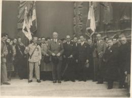 PHOTO REMISE D UNE DECORATION SUR UN DEPORTE  24CM X 18 CM - 1939-45