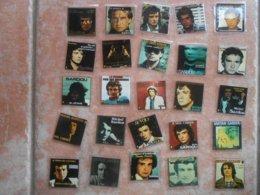 MICHEL SARDOU 25 Mini-photos Reproduction De Pochettes De Disques Cartonnées Et Plastifiées - Accessoires, Pochettes & Cartons