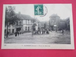 SARDENT - Place Du Marché - Belle Animation Avec De Nombreux Villageois - Voyagée En 1910 - Tbe - Autres Communes