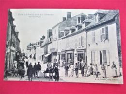 DUN LE PALLETEAU - Grand' Rue -  Belle Animation GROS PLAN Avec De Nombreux Villageois - Voyagée En 1911 - Tbe - France