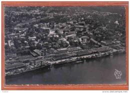 Carte Postale Cameroun  Douala  Le Port Et La Quartier De Bonanjo Vue D'avion   Cargos à Quai Trés Beau Plan - Cameroun