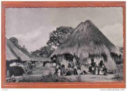 Carte Postale Cameroun  Cases Bamoun Trés Beau Plan - Cameroun