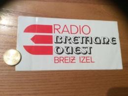 AUTOCOLLANT, Sticker «RADIO BRETAGNE OUEST BREIZ IZEL » - Autocollants