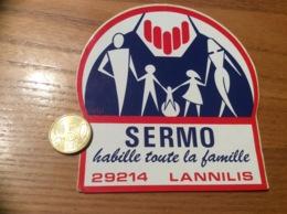AUTOCOLLANT, Sticker «SERMO Habille Toute La Famille - LANNILIS (29) » (Vêtements) - Autocollants