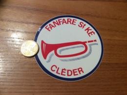 Ancien AUTOCOLLANT, Sticker «FANFARE St KÉ - CLÉDER (29) » (musique) - Autocollants