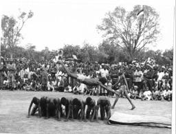 Photo Haute Volta (Burkina Faso) 1980. Les Gymnastes à Dédougou . Photo Du Père Gust Beeckmans - Africa