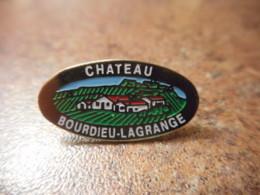 A041 -- Pin's Alcool Chateau Bourdieu Lagrange - Boissons
