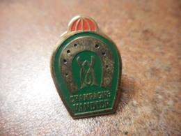 A041 -- Pin's Alcool Champagne Vandier - Boissons