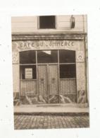 Photographie D'une Carte Photo ,CAFE DU COMMERCE ,environs De MURAT - Places