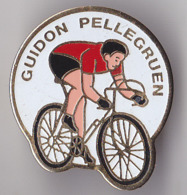 PIN'S THEME SPORT  CYCLISME  GUIDON  DE PELLEGRUE  EN GIRONDE - Cyclisme