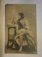 Folies Bergère Guerrero,non écrite Environ 1910,bel état Mais Légères Pliures De La Carte Et Verso Abîmé,pas Commun - Photos