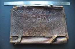 VIEUX CARTABLE PORTE DOCUMENT AFRICAIN En CUIR - ABECHE TCHAD - Other Collections
