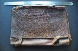 VIEUX CARTABLE PORTE DOCUMENT AFRICAIN En CUIR - ABECHE TCHAD - Autres Collections