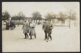 KONING ALBERT I MET OFFICIEREN * SOUVENIR DU CAMP D'ELSENBORN * ANNEE 1928 * FORMAT CARTE POSTALE - Guerre, Militaire
