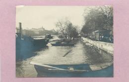 PARIS - Bords De Seine,un Remorqueur ,inondations (photo  Année 1910  Format  10,6cm X 7,8cm) - Lugares