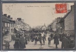 Carte Postale 50. Les Pieux  Un Jour De Foire  Très Beau Plan - France