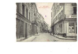 Cpa - 58 - NEVERS - Rue Du Commerce - N°20 J.C. Autun - Grand Hotel Magasin AU PETIT PARIS / AUX TROIS QUARTIERS - Nevers