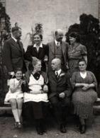 Amusante Photo Originale De Famille Les Yeux Dans Les Yeux à Nosbach 51580 Reichshof, Allemagne Un 26.09.1939 - Personnes Anonymes