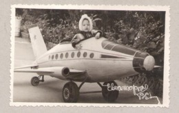 9323 Ukraine Russia Crimea Evpatoria Girl On The Plane Original Photo Size: 132 X 81 Mm - Aviazione