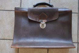 VIEUX CARTABLE EN CUIR - Other Collections