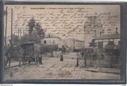 Carte Postale 92. Bois-Colombes  Passage à Niveau Ligne De St-Germain Les Déménageurs Très Beau Plan - Autres Communes