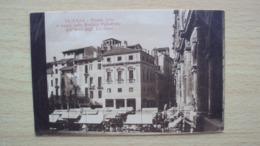 VENETO VICENZA CARTOLINA ANNI 20 PIAZZA ERBE E ARCO ZAVATTIERI NON VIAGGIATA FORMATO PICCOLO - Vicenza