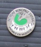 Pin's Ville Epinal Patinoire Municipale - Städte