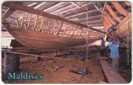 MALDIVES A-153 Chip Dhiraagu - Traditional Boat - Used - Maldiven