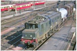 Toulouse (31 - France) En 1980 - La Locomotive 2D2 5522 En Tête D'une Rame Fret Passe En Gare De Toulouse Matabiau - Toulouse