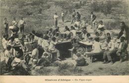 MISSIONS AFRIQUE  Un Pique Nique - Missions