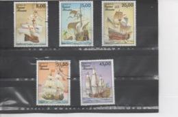 """GUINEE-BISSAU - Voiliers Historiques : Le """"Mayflower"""", Le """"Royal Sovereign"""", La """"Santa Maria"""", Le """"Soleil Royal"""" - Guinea-Bissau"""
