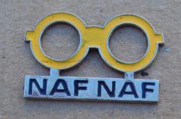 Pin's Marques 009, Opticien - Lunettes Naf Naf - Marcas Registradas