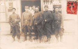 ¤¤    -  VANNES    -   Carte-Photo D'un Groupe De Militaires En 1908   -   ¤¤ - Vannes