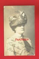 Carte Photo Femme Au Chapeau à Ma Chère Yvonne FOLKESTONE En 1910 - A Identifier