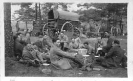 PHOTO ORIGINALE  SOLDATS EN CAMPAGNE  PHOTOGRAPHE RENNES 7 X 4.50 CM - Guerra, Militari