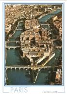 CPM 75 Paris - En Survolant La Seine, Panorama Sur L'Île De La Cité (avec Notre-Dame) Et L'Île Saint-Louis TBE - Notre Dame De Paris