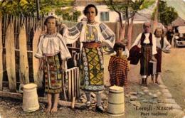 LERESTI / MUSCEL : PORT NATIONAL - FEMMES À LA FONTAINE / PORTEUSES D' EAU - ANNÉE / YEAR : 1929 (ac933) - Roumanie