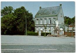 Blauberg - Dorpsplaatsmet Oorlogsgedenktekenen Pastorie - Herselt