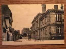 CPA, Wissembourg, Rue Des Ecoles, Animée,écrite En 1923,timbre - Wissembourg