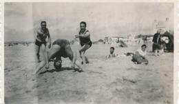 Snapshot Jean Marais Avec Hommes Plage Le Touquet 30 Aout 1932 Gay Interest Men - Célébrités