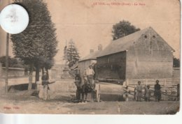 27 - Carte Postale Ancienne De LE THIL EN VEXIN  La Mare  Avec Attelage   ( état Moyen ) - Francia