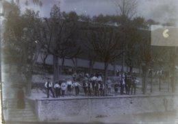 TASSIN (69), 1888 : Institution Saint Joseph, Ecole, Gymnastique (?). Plaque De Verre. Lire Descriptif. - Plaques De Verre