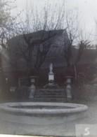 TASSIN (69), Pâques 1890 : Institution Saint Joseph, La Vierge, Le Bassin. Plaque De Verre. Négatif. Lire Descriptif. - Plaques De Verre