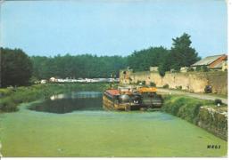 BERGUES - Le Port - Péniche - Bergues