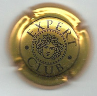 Plaque / Capsule De Muselet - Expert Club [noir Sur Or] - Kroonkurken