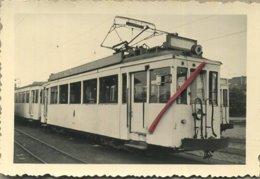 TRAM  10084 : Evere, Ch. De Louvain : Motrice Standard Métallique Munie D'un Film A éclairage Extérieur 1956  (9 X 6 Cm) - Photographs