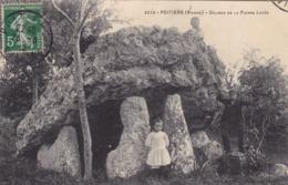 Vienne - Poitiers - Dolmen De La Pierre Levée - Poitiers