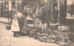 18 BOURGES 534 Les Petits Métiers De La Rue Marchand De Légumes - Bourges