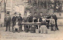 18 En Train De Déguster Les Vins De THENIOUX - France